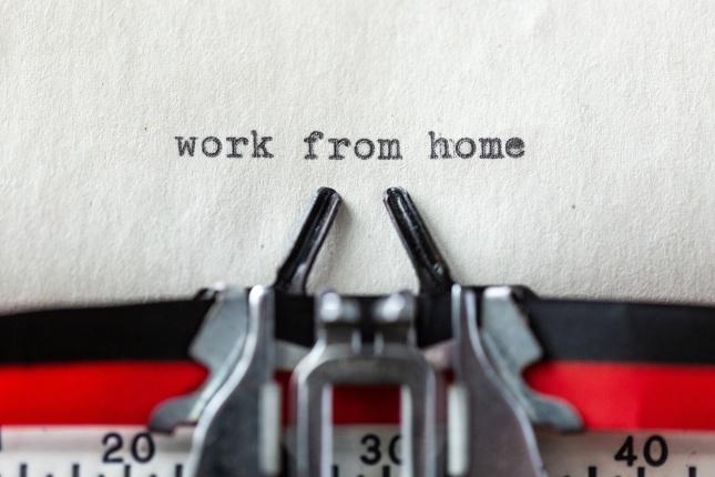 Wwork from home a typewritten message in macro 1